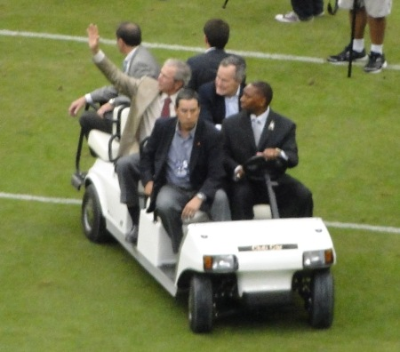 November 17. 2013: Two former presidents under one one roof still couldn't save the Texans.