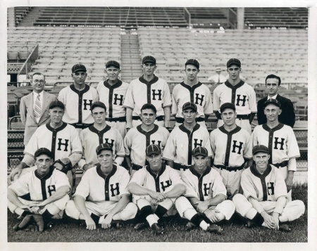 The 1933 Houston Buffs from an online photo find by John Watkine, SABR
