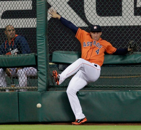 George Springer is All-out Hustle! This non-catch from 2015 had nothing to do with the ball geting lost in the MMP lights.