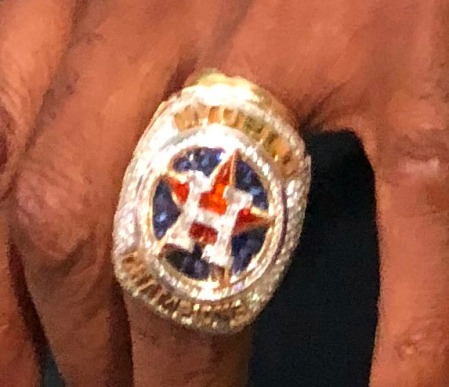 Astros-Ring
